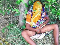 Indian Hot bhabhi enjoyed with her devar in Outdoor Municipal Outdoor