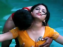 Hot Mamatha affaire d'amour with boy friend in swimming pool-1
