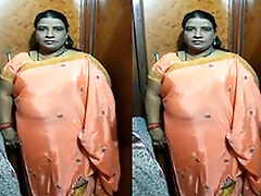 Today Exclusive- Desi BBW Randi Bhbahi Strip Her Saree and Gives Nice Blowjob To Customer