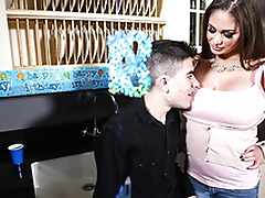 Horny and busty mom Cathy Firmament fuck Jordi El Niño