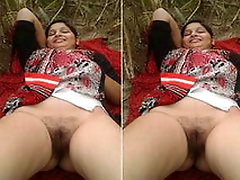 Today Exclusive- Desi Randi Bhabhi Alfresco Sex With 2 Males