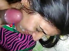 Desi wife facial with respect to hubbys cum