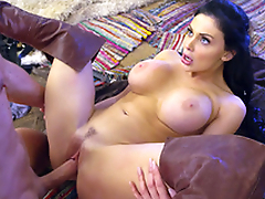 Gallant warrior penetrates Aletta Ocean's twat after XXX licking