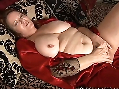 Beautiful big belly &amp_ boobs mature BBW fucks her soaking wet pussy