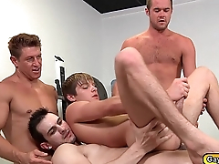 Chunk twinks goes on group anal fucking