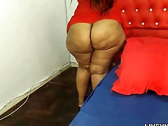 Chocolate BBW in all directions big tits and enormous booty